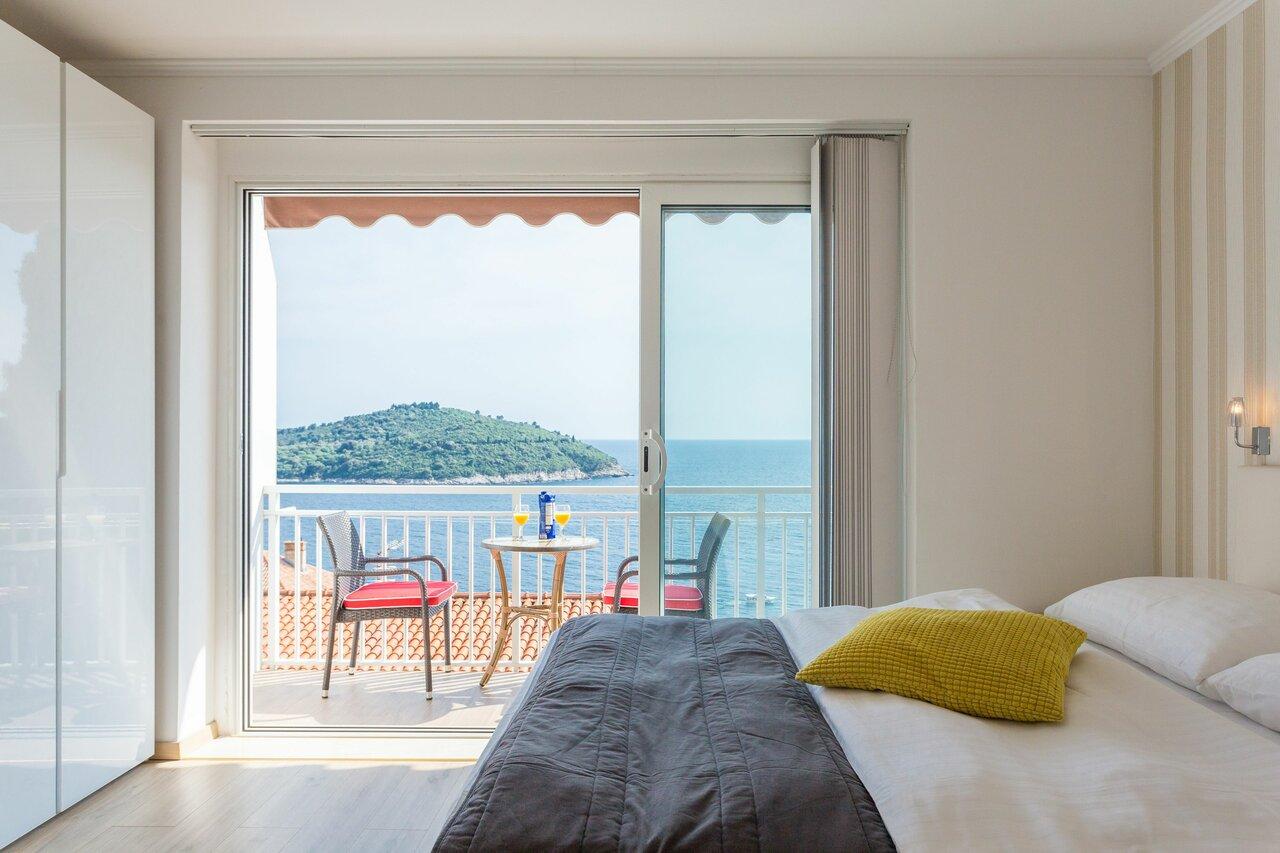 Apartments Banje Beach