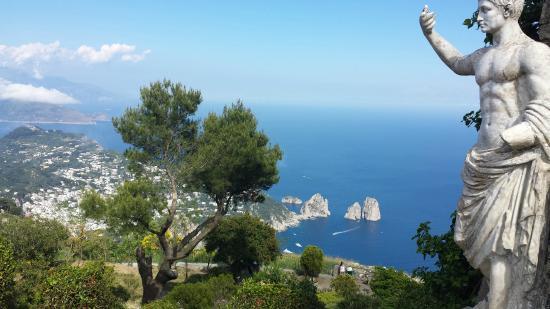 ROMA si Insula Capri avion