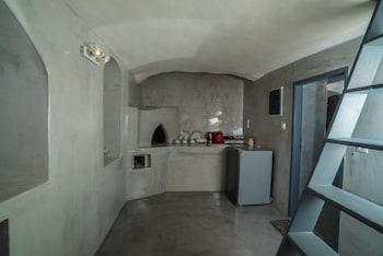 Thetis Cave Villa