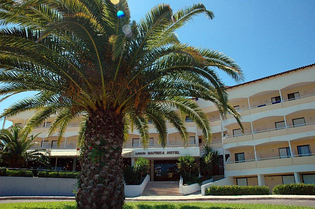 LIVADI NAFSIKA HOTEL (Dassia) (C)
