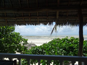 Makuti Beach Bungalows