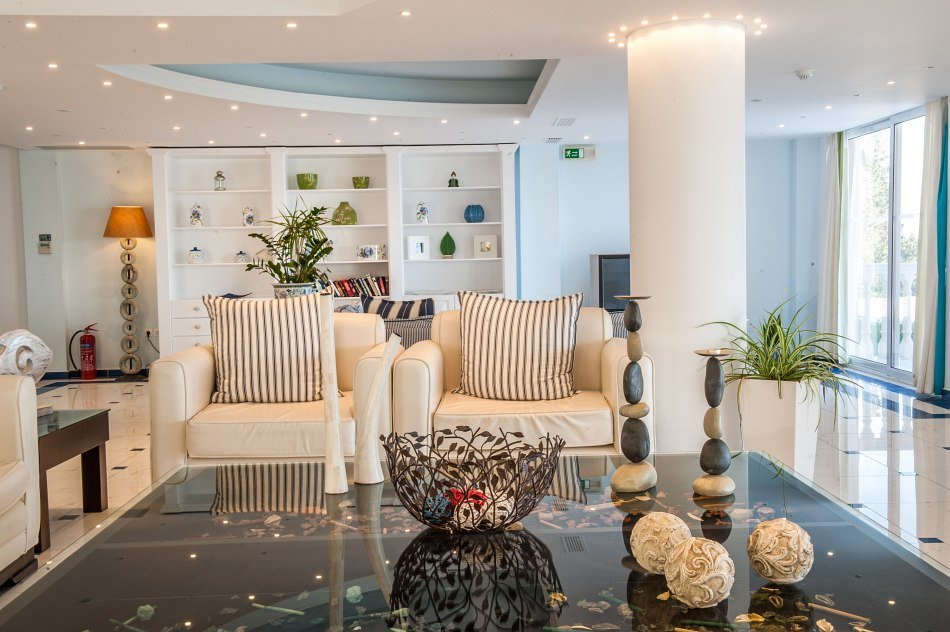 Belvedere ( fost Gerakas) Luxury Suites