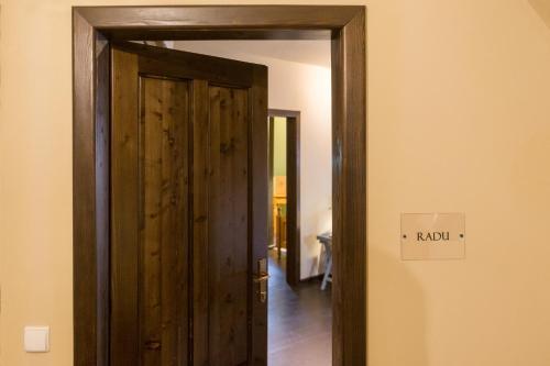 Ratiu House