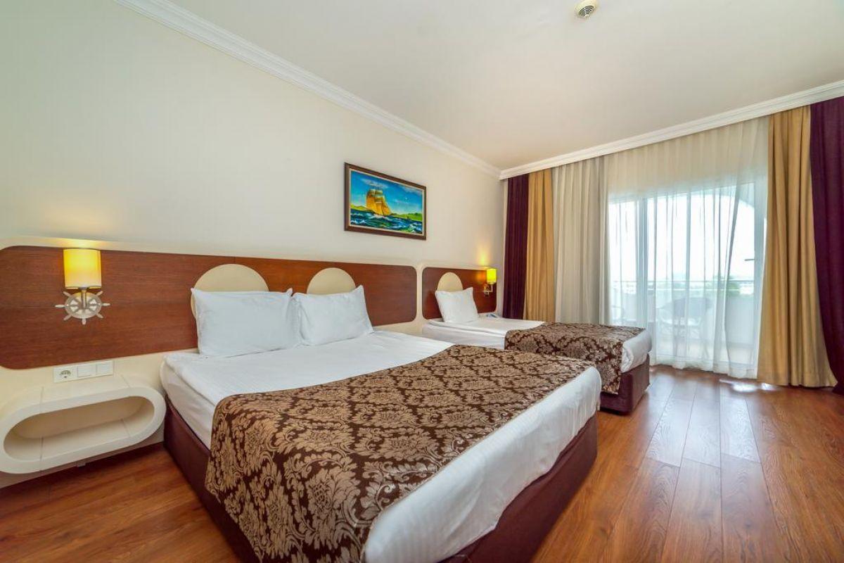 TRANSATLANTIK HOTEL & SPA ( ex Queen Elizabeth Elite Suite )