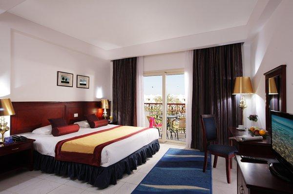 PARADISE HOTEL (GOLDEN 5)
