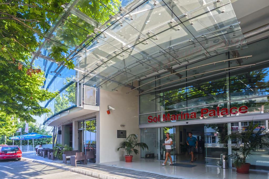 Sol Marina Palace