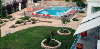 Apartments Avra