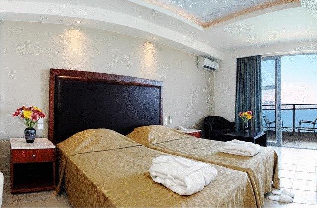 MISTRAL MARE HOTEL 4 *