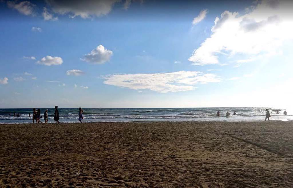 HEAVEN BEACH APART