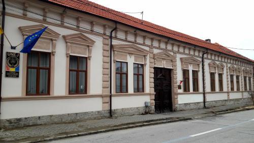 Antique Aparthotel