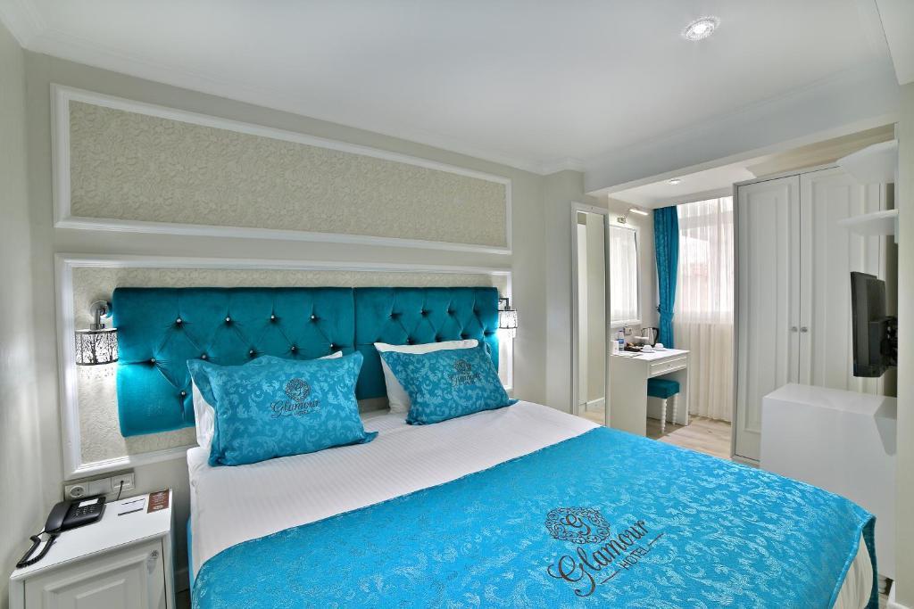 GLAMOUR HOTEL