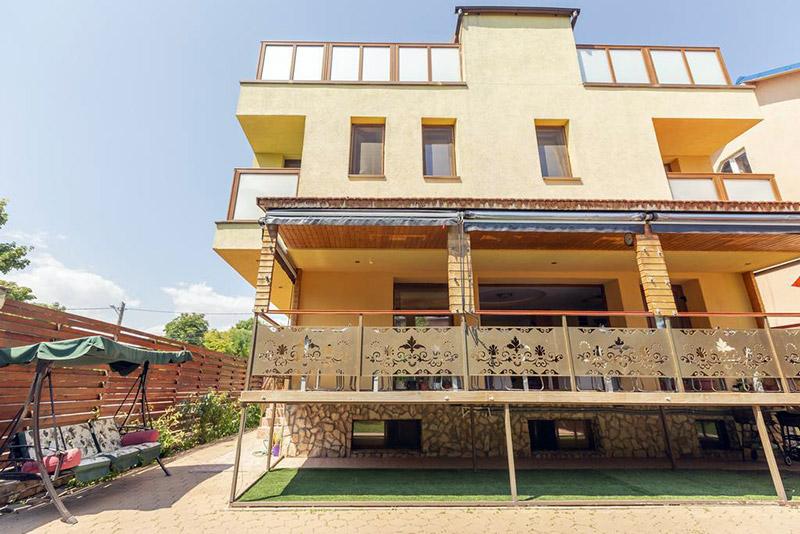 Pensiunea Rosiem House