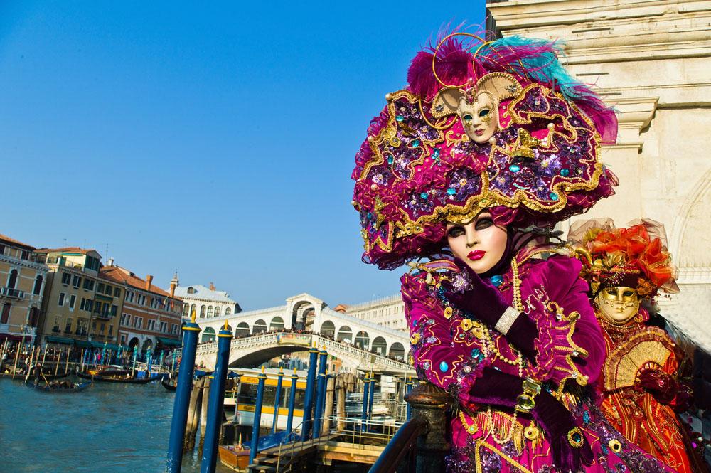 Carnaval Venetia 2022 autocar