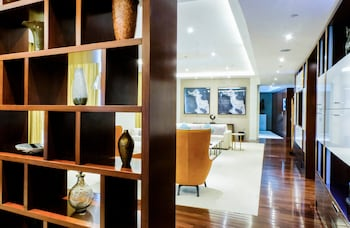 Intercontinental Residence Suites