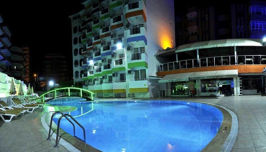 KLAS DOM HOTEL