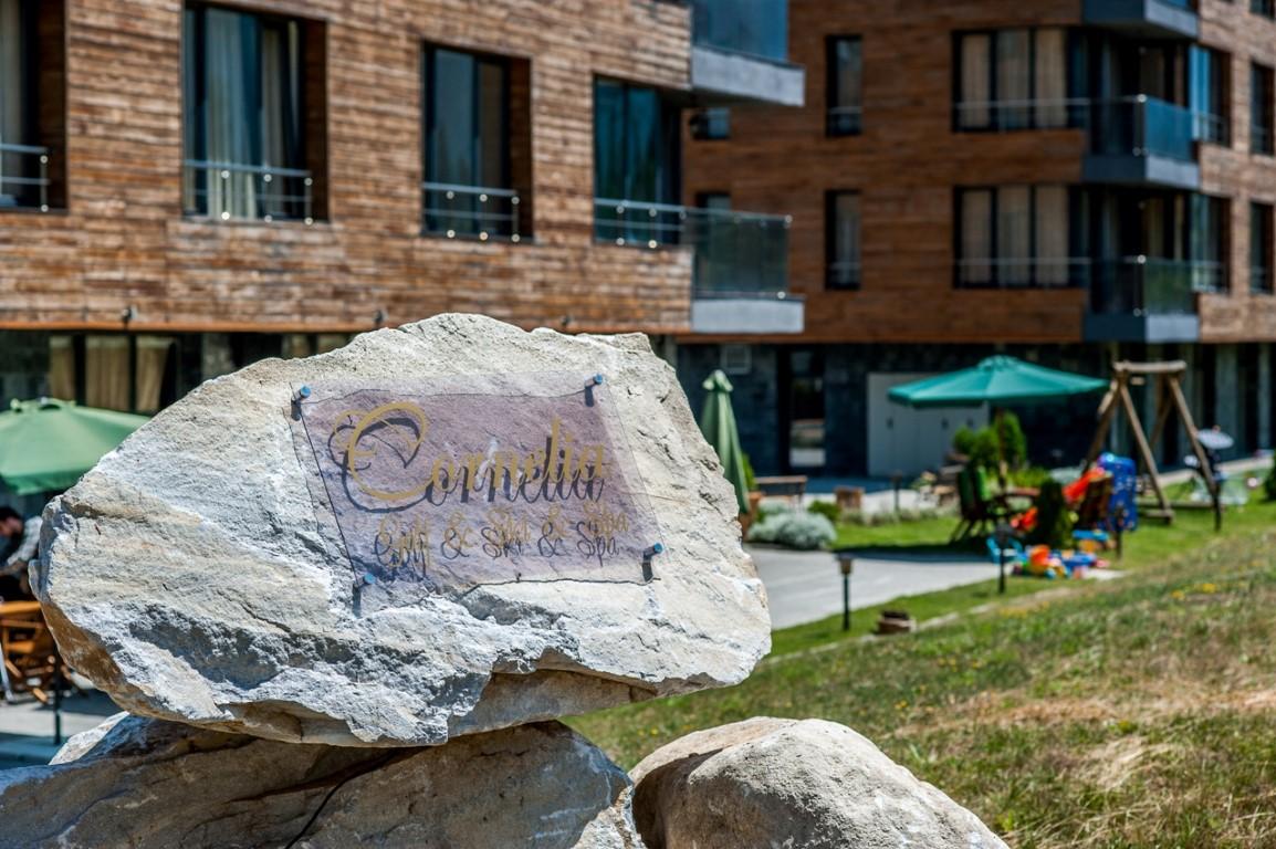 CORNELIA Aparthotel