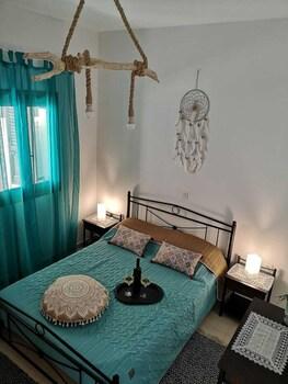 Villa Perissa Thira