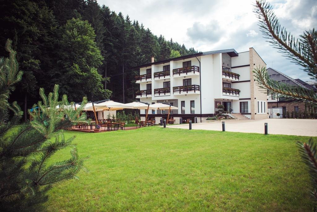 Piatra Pinului Ski Hotel and SPA (Voronet)