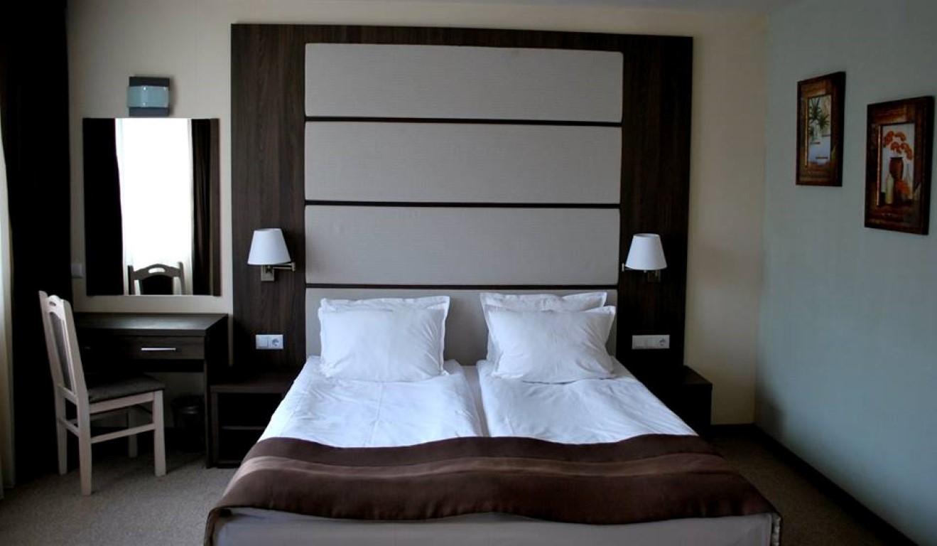 ZARA HOTEL