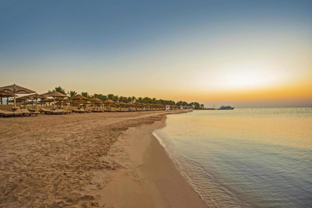 SUNRISE ROYAL MAKADI  AQUA RESORT
