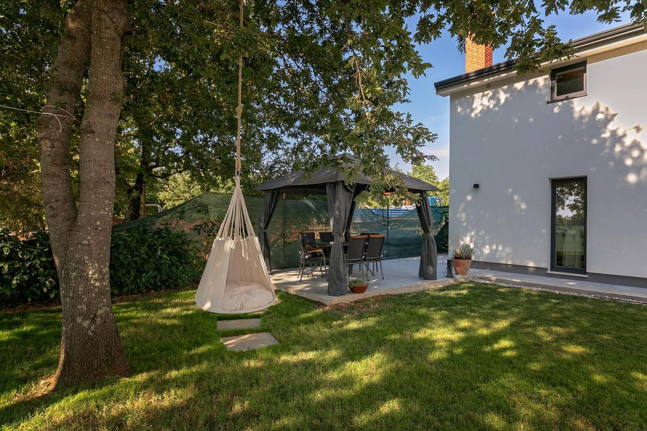 Quercus Lux Apartments, Secludedly And Next To The Bike Trail - Funtana