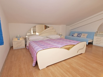 Apartments Lean 1048