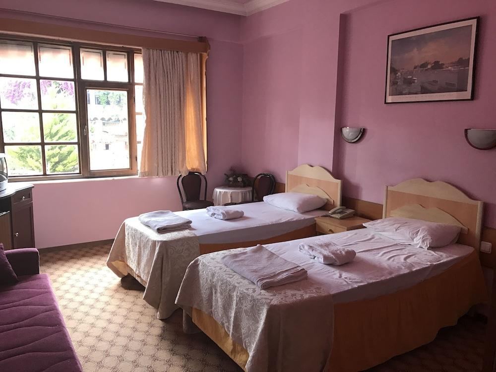 Karyatit Hotel Kaleici