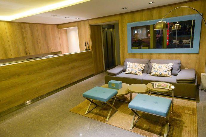 1.4 Mérit Montevideo Apart And Suites