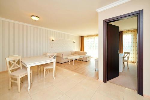Penelopa Palace Apart Hotel  SPA