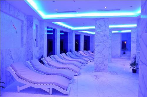Golden 5 Sapphire Suites Hotel