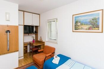 Apartments Miramare & Campara
