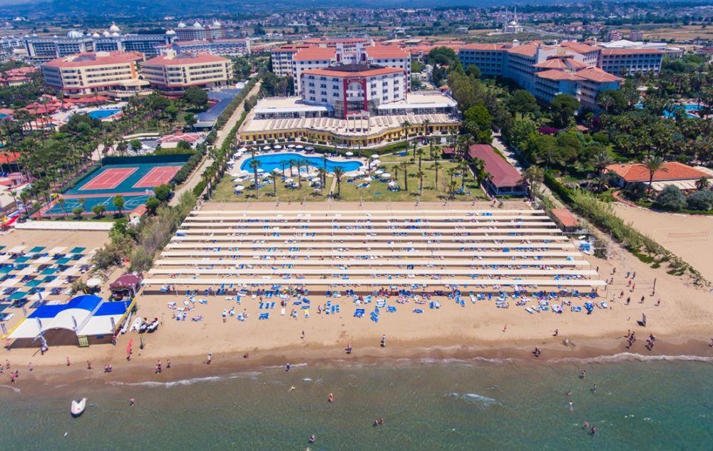 Cesars Resort Side