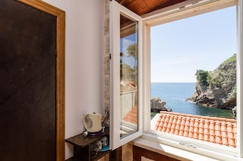 Edi Sea View Rooms