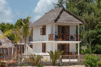 Kusini Beach Villas