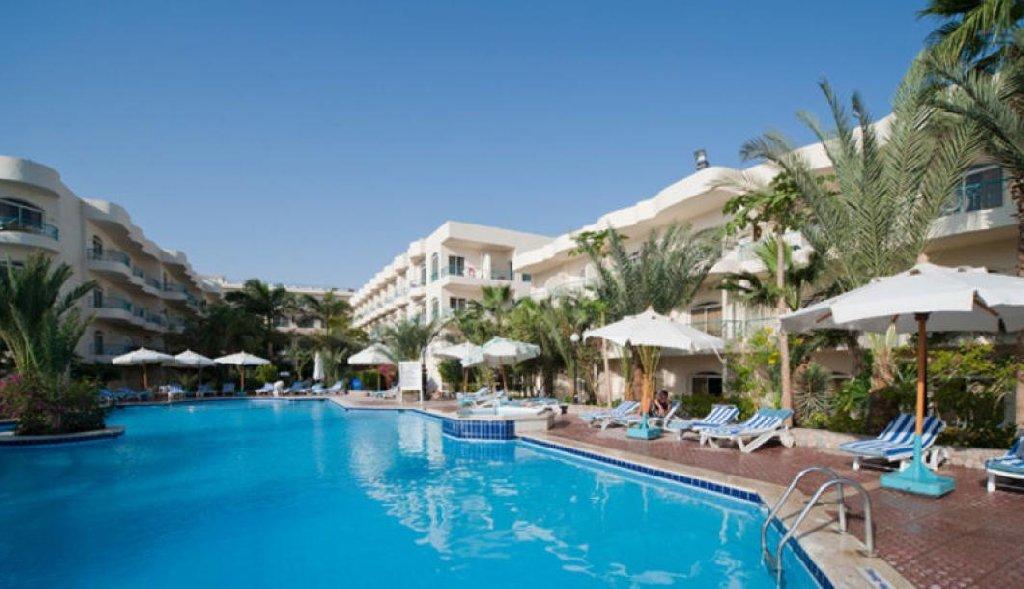 Hotel Flamingo Beach Mate 4*