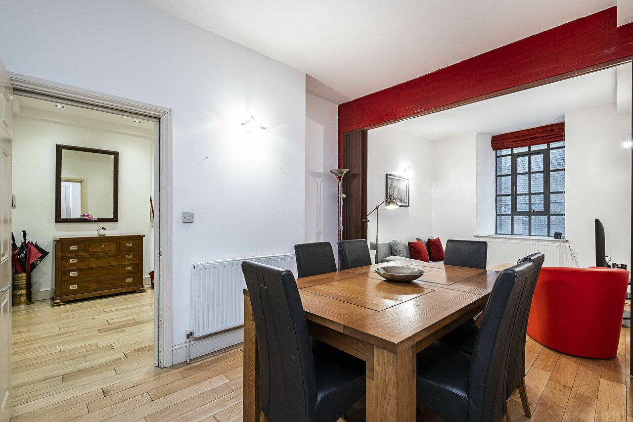 Shelton Apartment By Flexystays