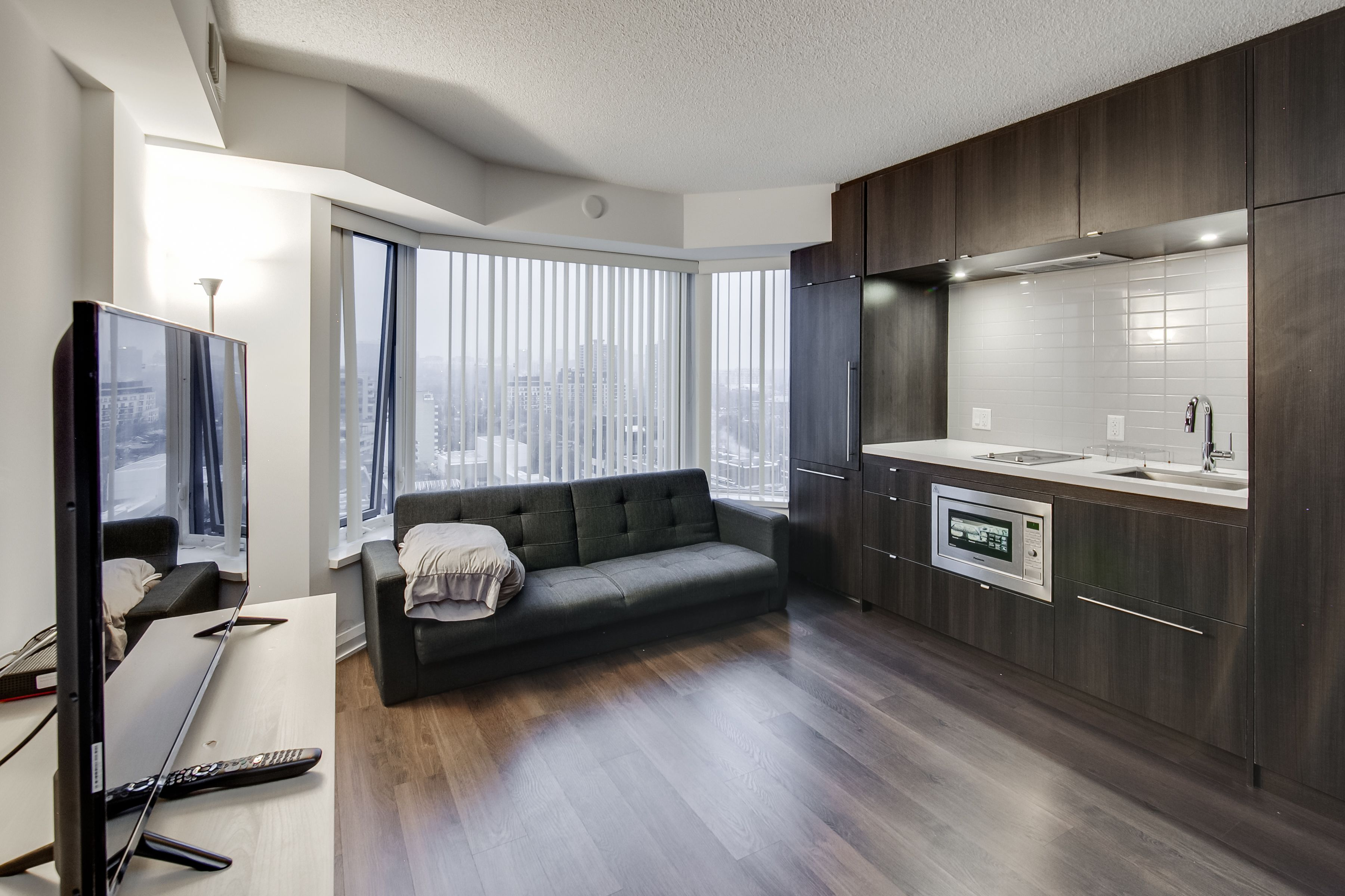 Amazing Royal Suites Yorkville