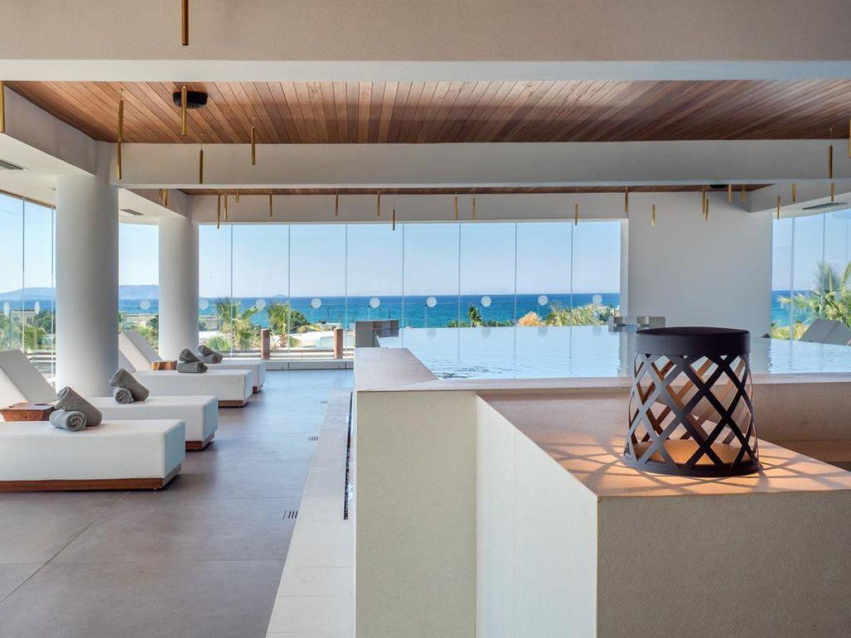 Stella Island Luxury Suites&Spa