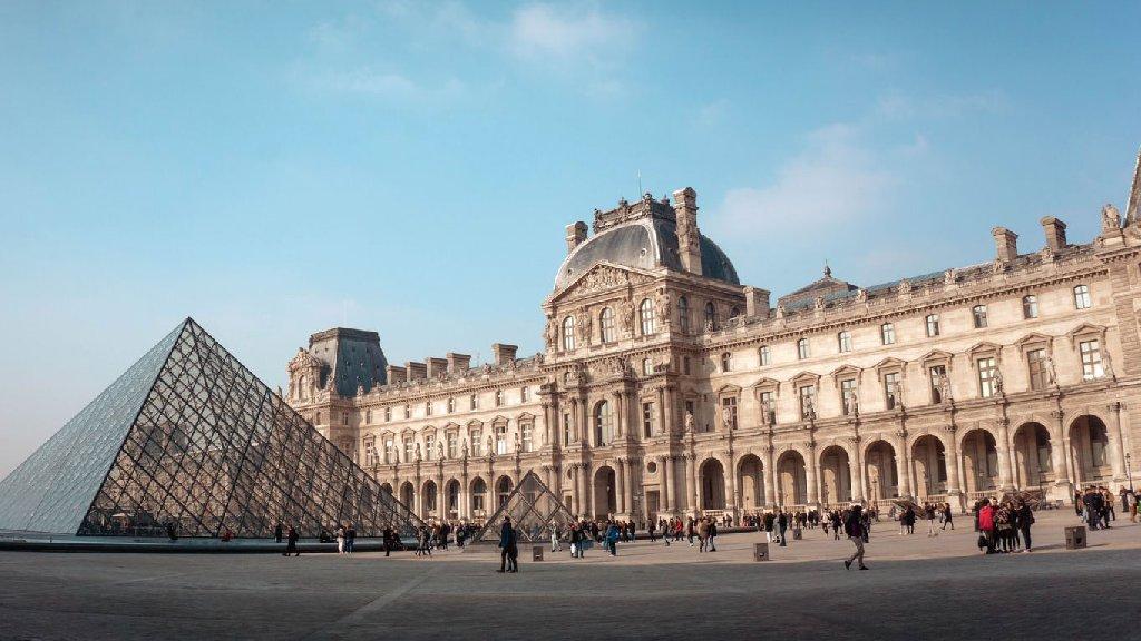 Paris, Valea Loarei si Normandia (8 zile)