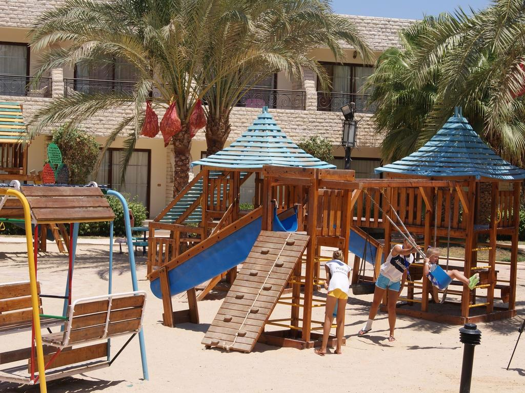 ALADDIN BEACH RESORT