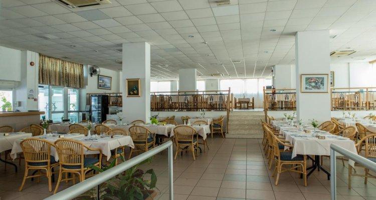 Kapetanios Bay Hotel