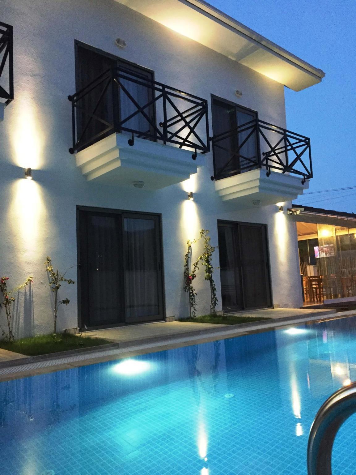 Casa Pallet Hotel