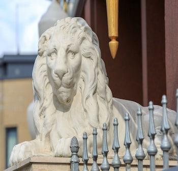 Lion & Key Hotel