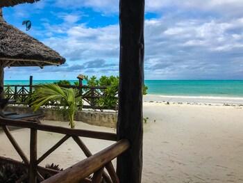 Jambiani White Sands Beach Bungalows