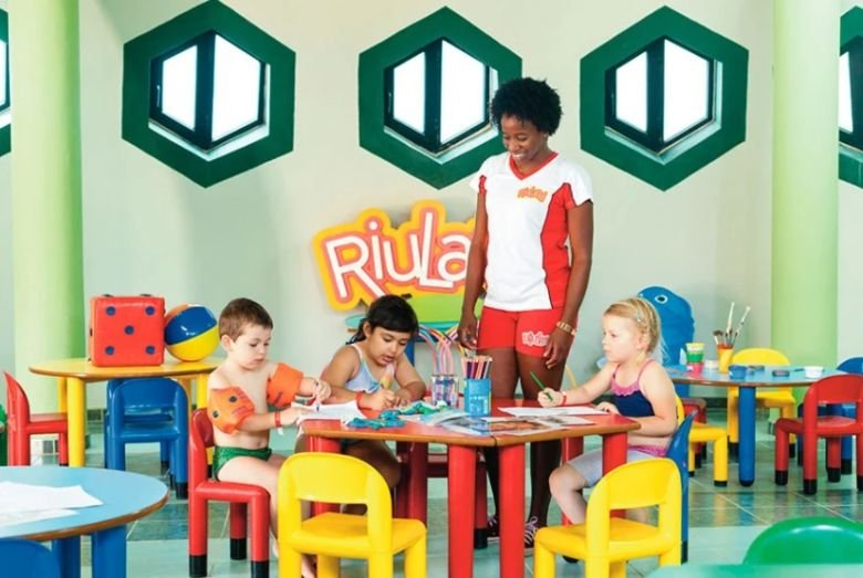RIU Funana