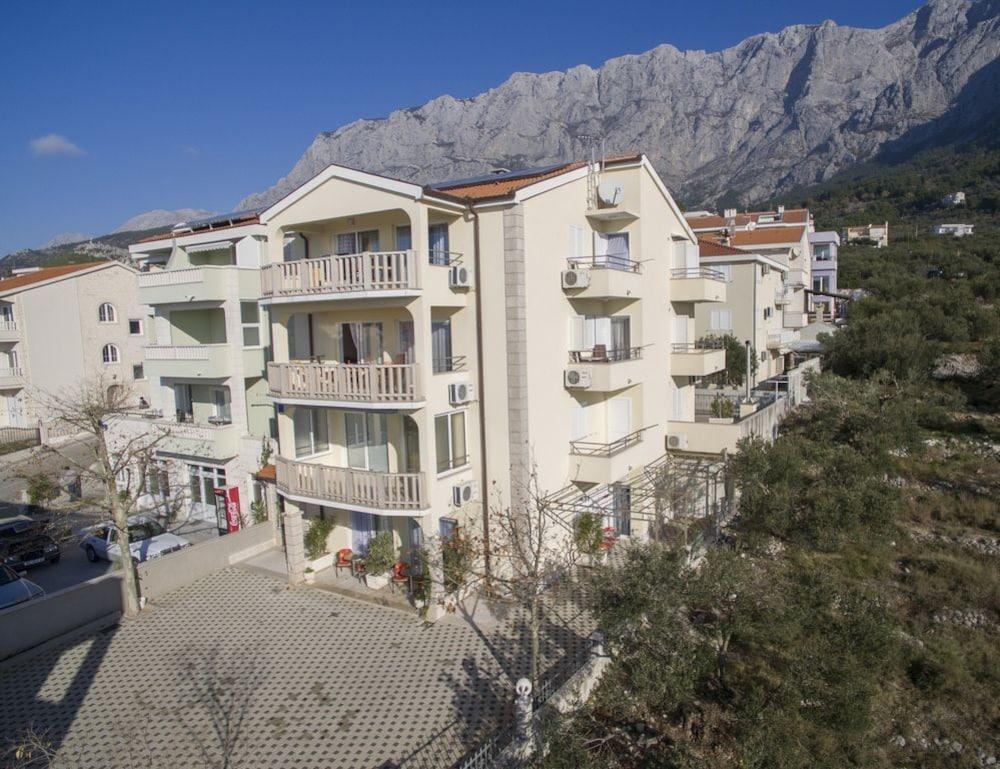 Apartment Almera N4