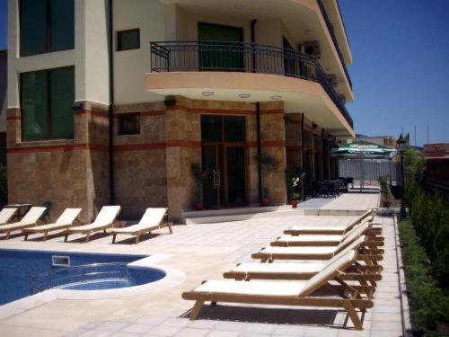 Serenity Hotel