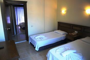 NAVY HOTEL