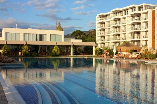 NOTION KESRE BEACH SPA HOTEL