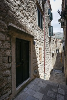 Old Town Princess Apartments